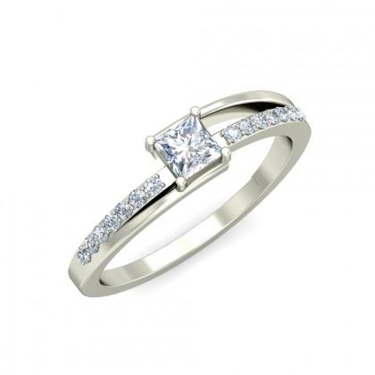 NOA DIAMOND CASUAL RING in 18K Gold
