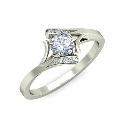 KANCHI DIAMOND CASUAL RING in 18K Gold